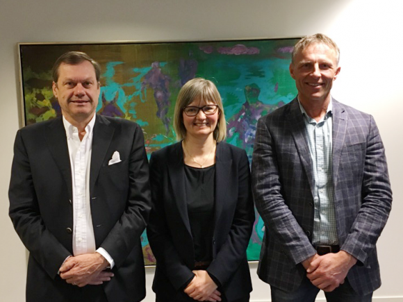 The agreement to acquire Profunda was signed between the parties involved (from left); chairman of Profunda, Michel Andvord, CEO of AquaGen, Nina Santi and general manager of Profunda, Helge Ressem.